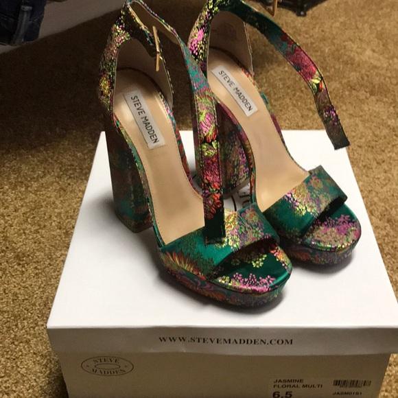3ada5e1c777 STEVE MADDEN Jasmine Floral Multi shoes size 6.5